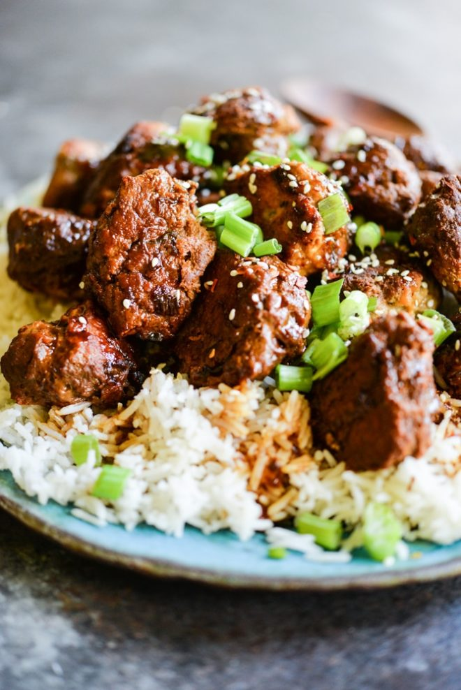 These Turkey Teriyaki Meatballs are gluten free and Paleo, easy, and packed with flavor! | Fed & Fit