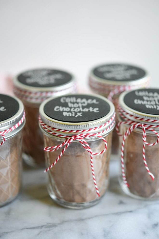 This collagen hot chocolate mix is perfect for holiday gifting, easy to put together, and totally Paleo friendly and dairy free!