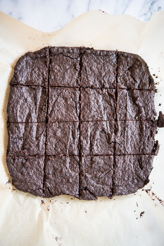 Flourless dark chocolate brownies
