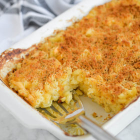 Easiest Oven-Baked Mac and Cheese (Dump-and-Bake!)